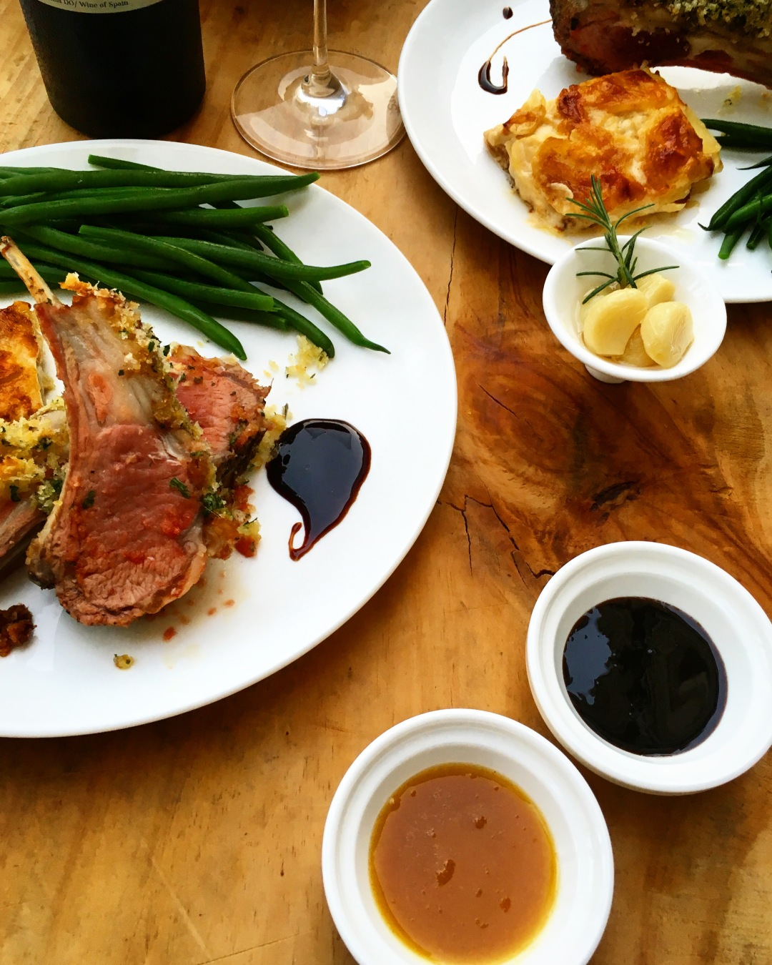 rack of lamb with fine green beans and potatoes gratin