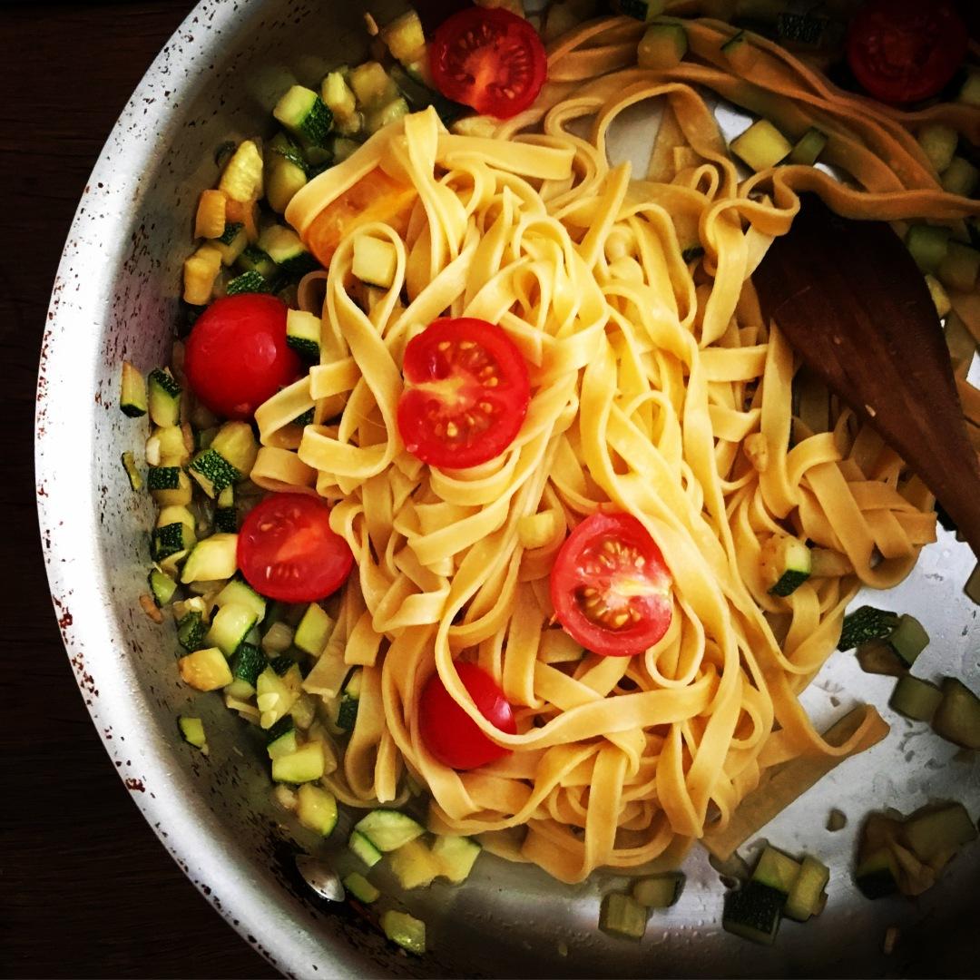 Pasta and zuccini in pot