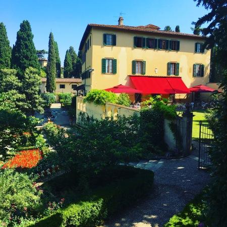 Villa Agape in florence, gardens
