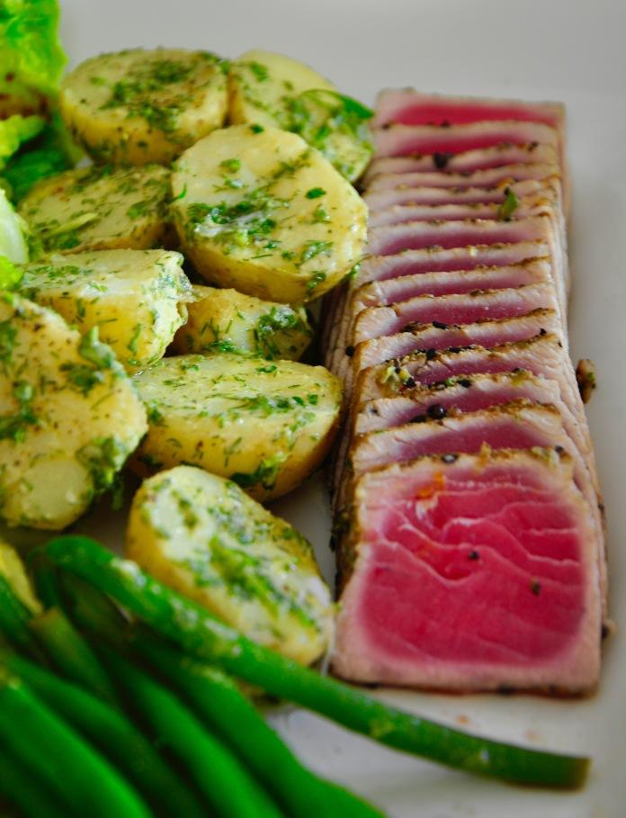 tuna nicoise potatoes and green beans