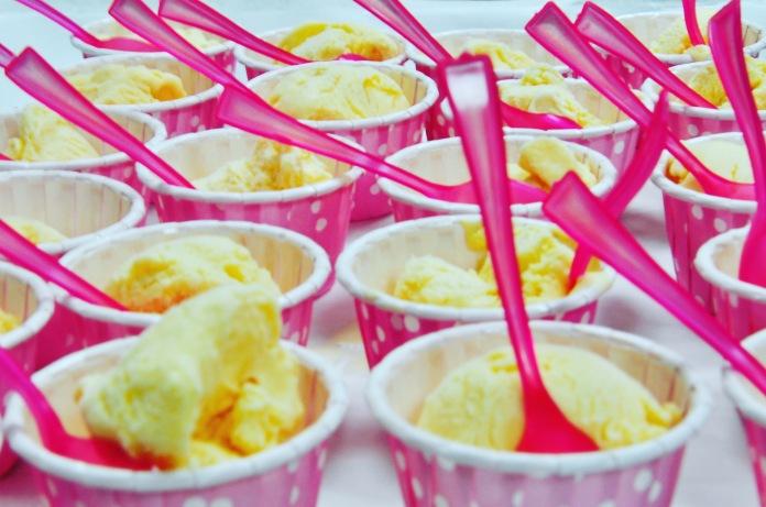 vanilla bean ice cream cups