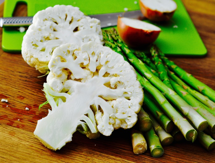 cauliflower-onions-asparagus