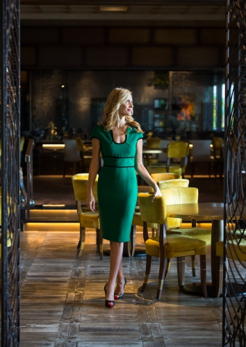 lidija-coya-green-dress-dining
