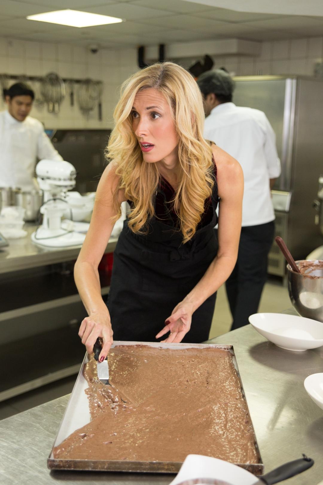 12-galleries-lafayette-buche-de-noel-chocolate-sponge-cake-mix