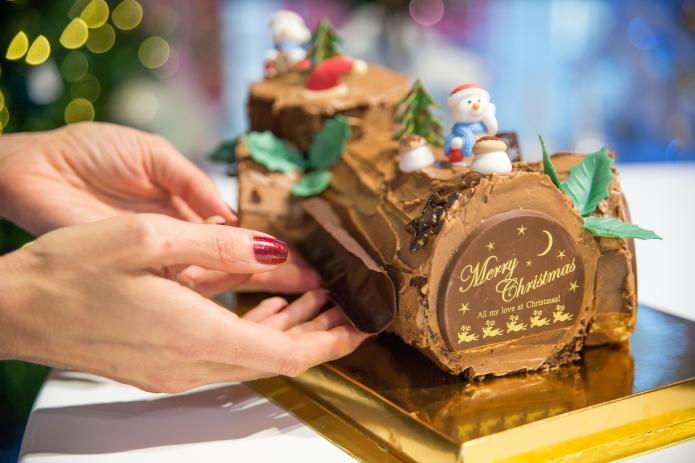 57-galleries-lafayette-buche-de-noel-chocolate-shards