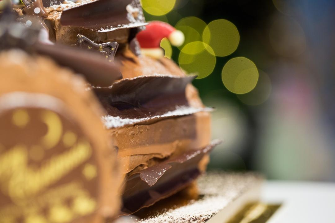 68-galleries-lafayette-buche-de-noel-chocolate-bark